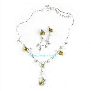 Gold & Silver flower necklace and earring set, (jnn20)